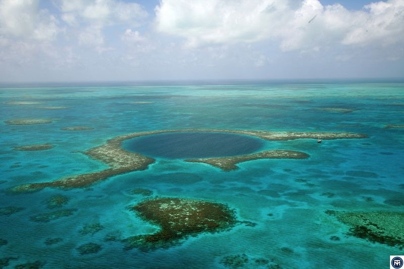 02_great-blue-hole-belize-2[2]
