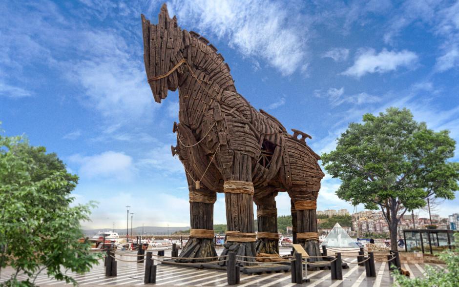 22-turkey-trojan-horse