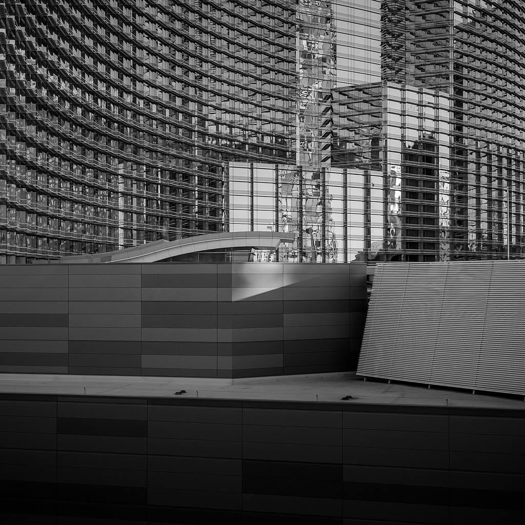 Black and white architecture_12