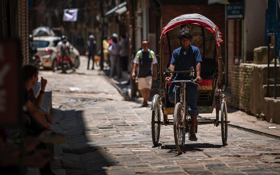Kathmandu. The streets and shrines_03