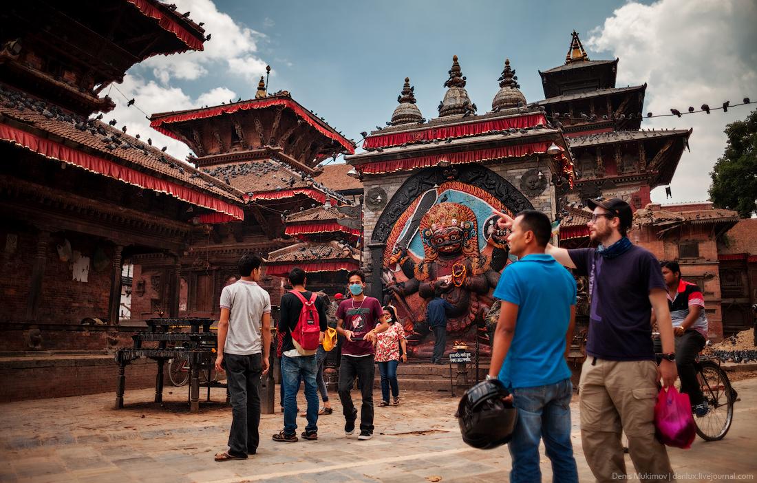 Kathmandu. The streets and shrines_04