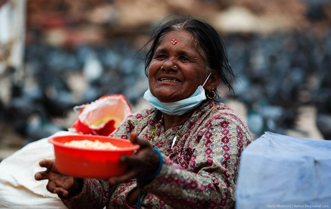 Kathmandu. The streets and shrines_08