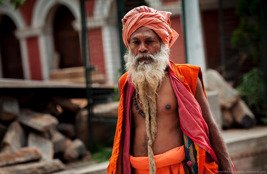 Kathmandu. The streets and shrines_09