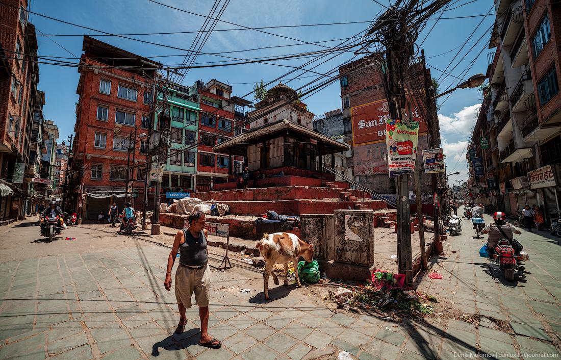 Kathmandu. The streets and shrines_14