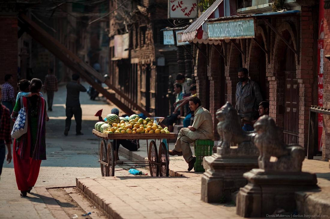 Kathmandu. The streets and shrines_15