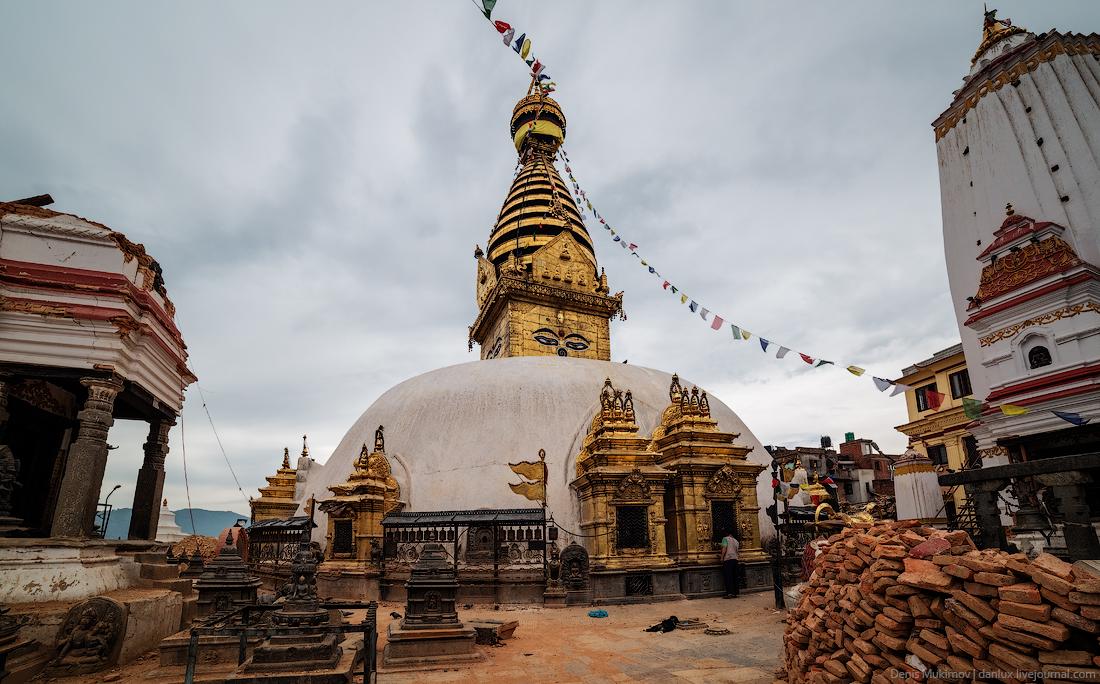 Kathmandu. The streets and shrines_32