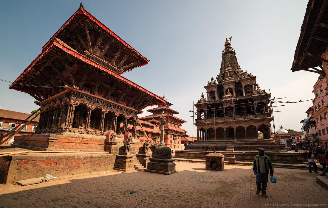 Kathmandu. The streets and shrines_37