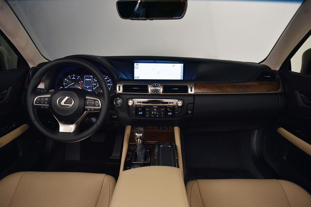 Lexus GS_05