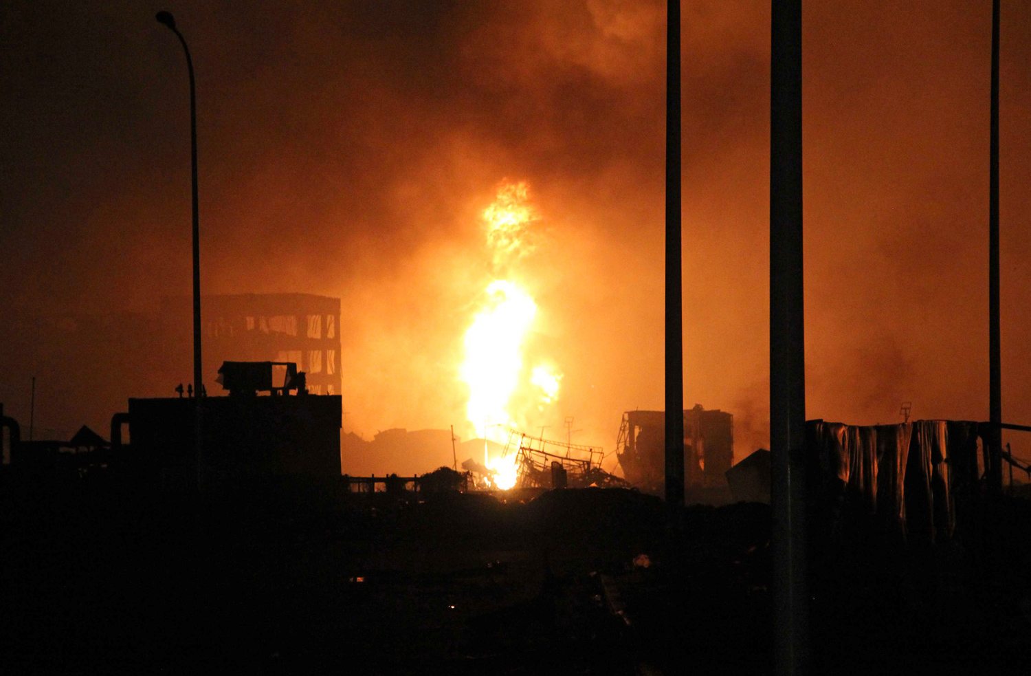 Massive Explosions in Tianjin, China_03