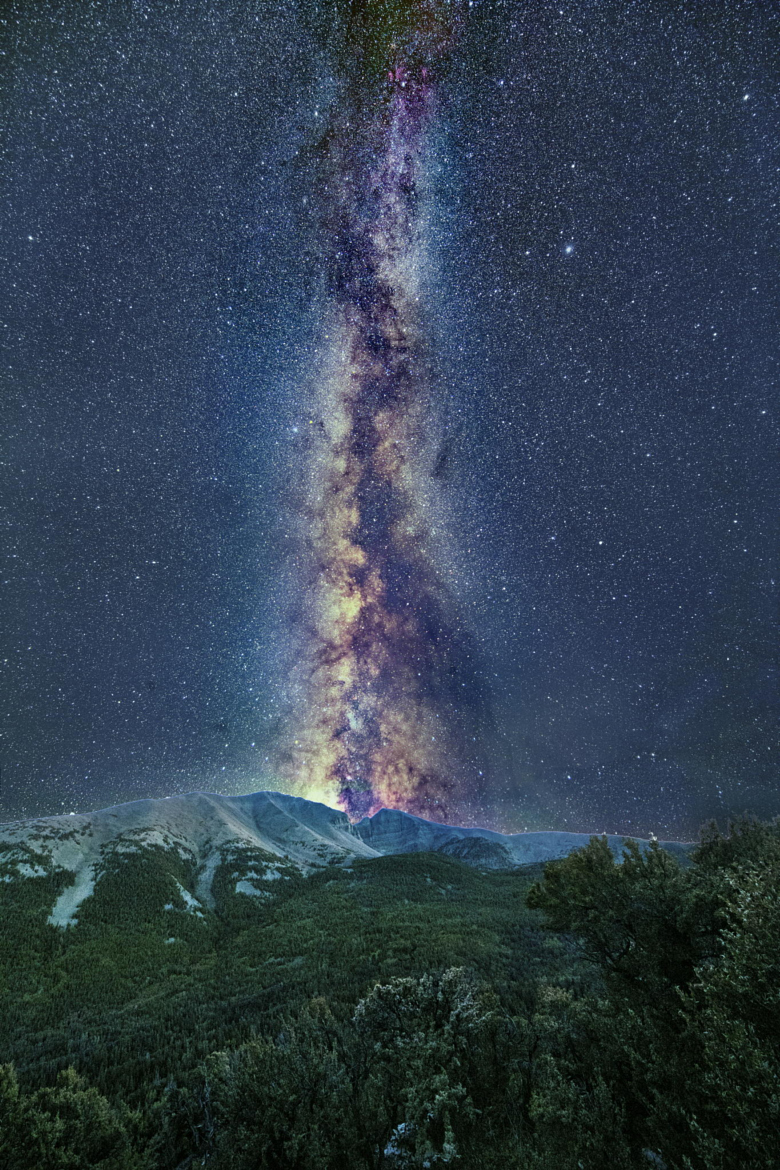 Milky way from Yellowstone Park-37