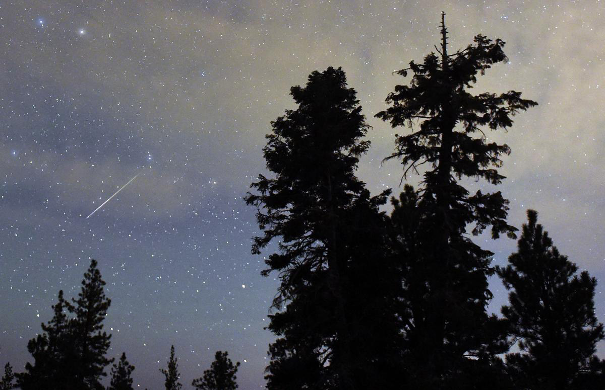 Perseid meteor shower_03