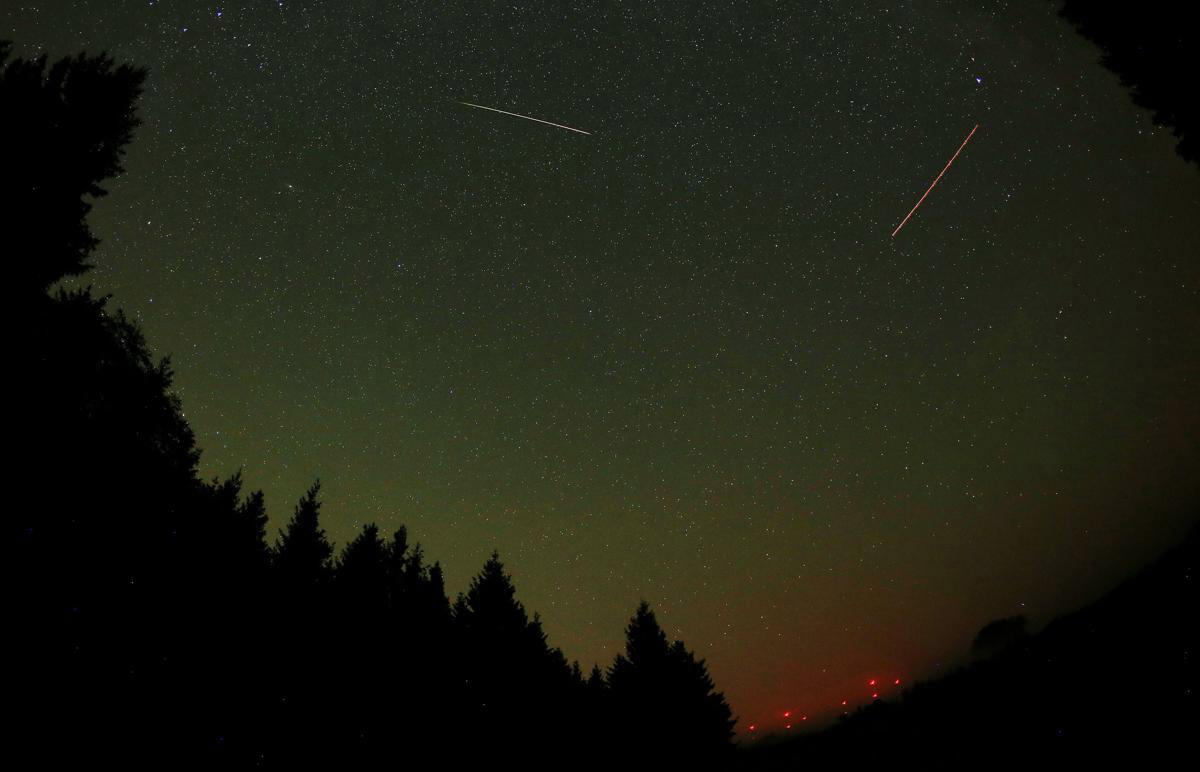 Perseid meteor shower_16