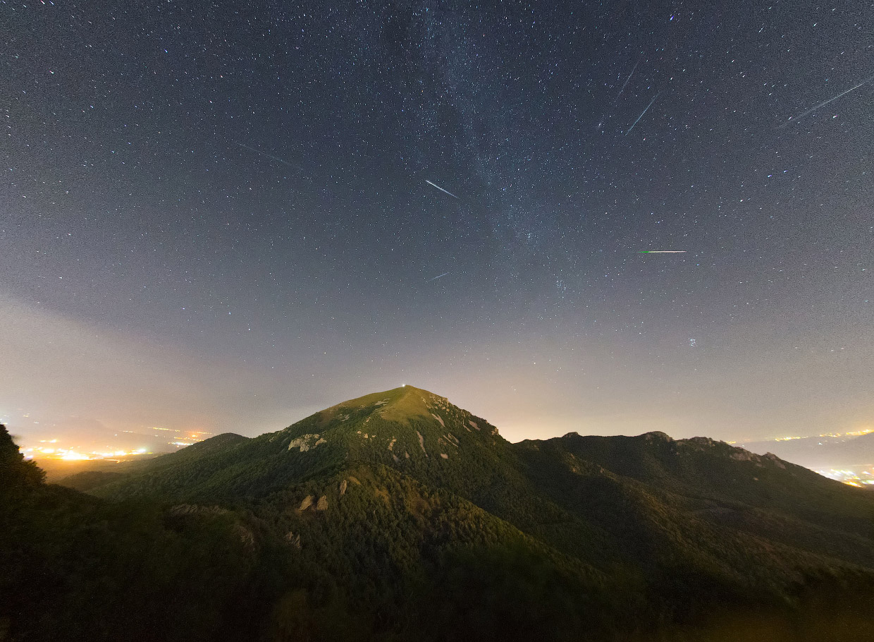 Perseid meteor shower_23