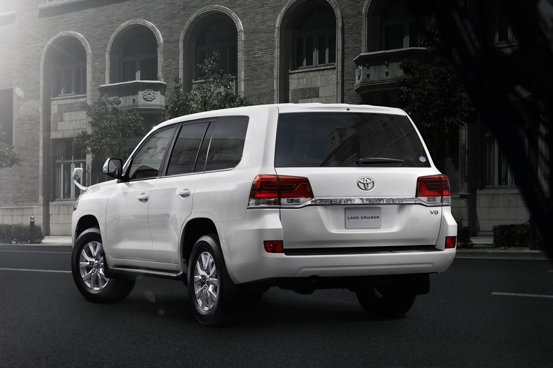 Toyota Land Cruiser 200_02