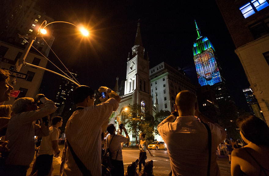 empire-state-projection-endangered-animals-nyc-17