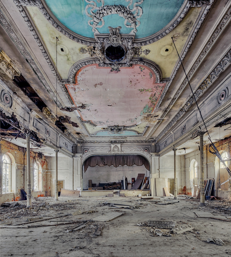 Abandoned Buildings 14