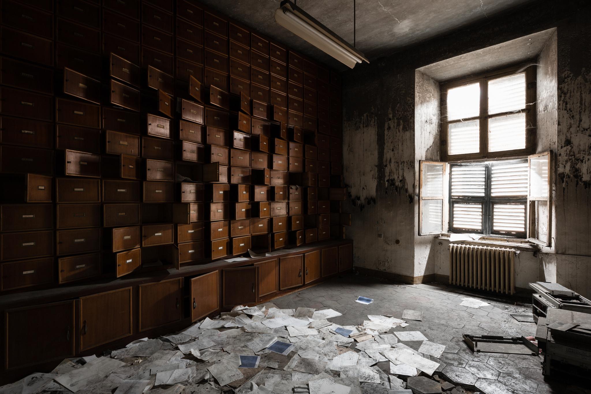Abandoned psychiatric hospital 04
