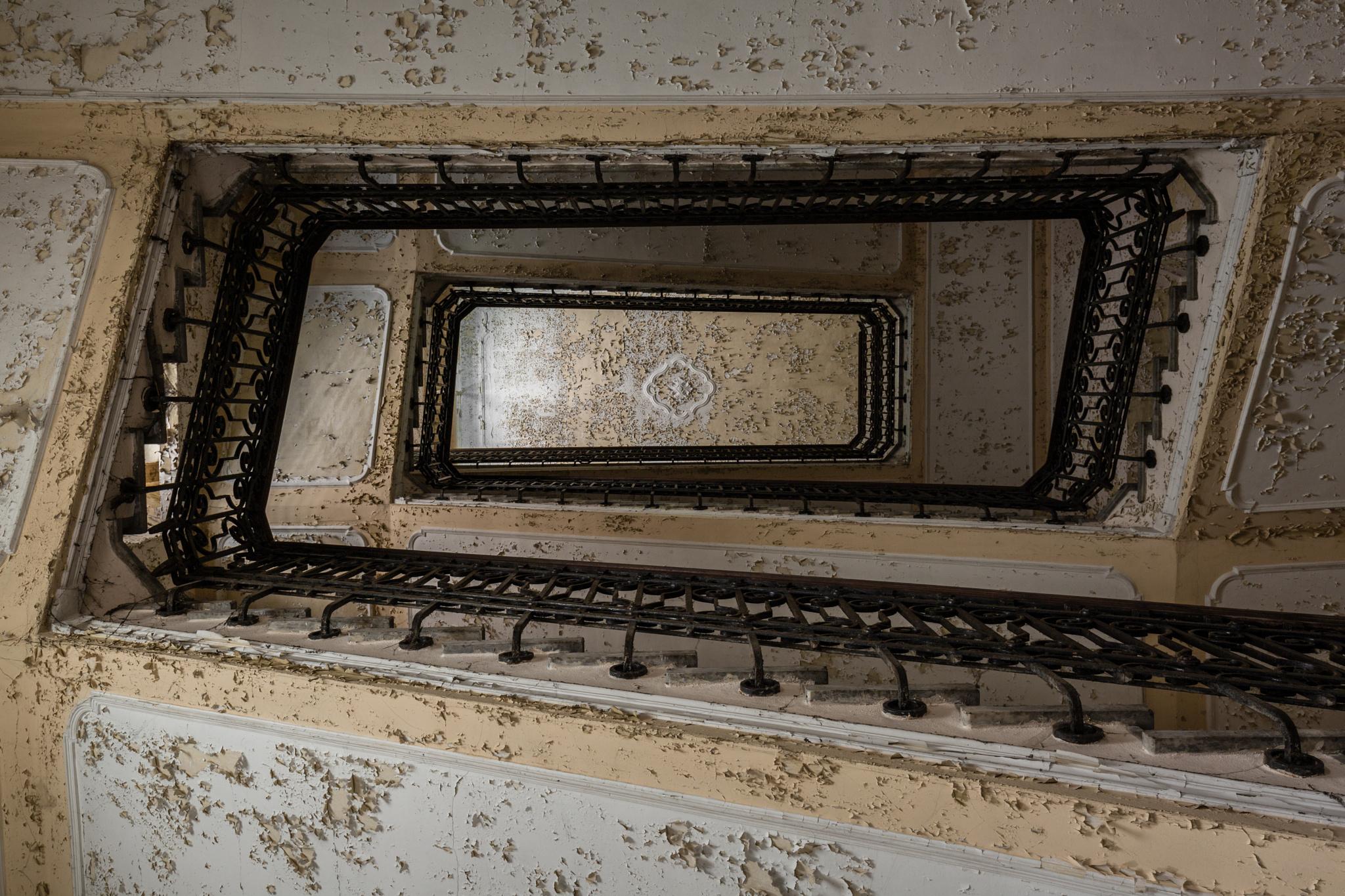 Abandoned psychiatric hospital 09