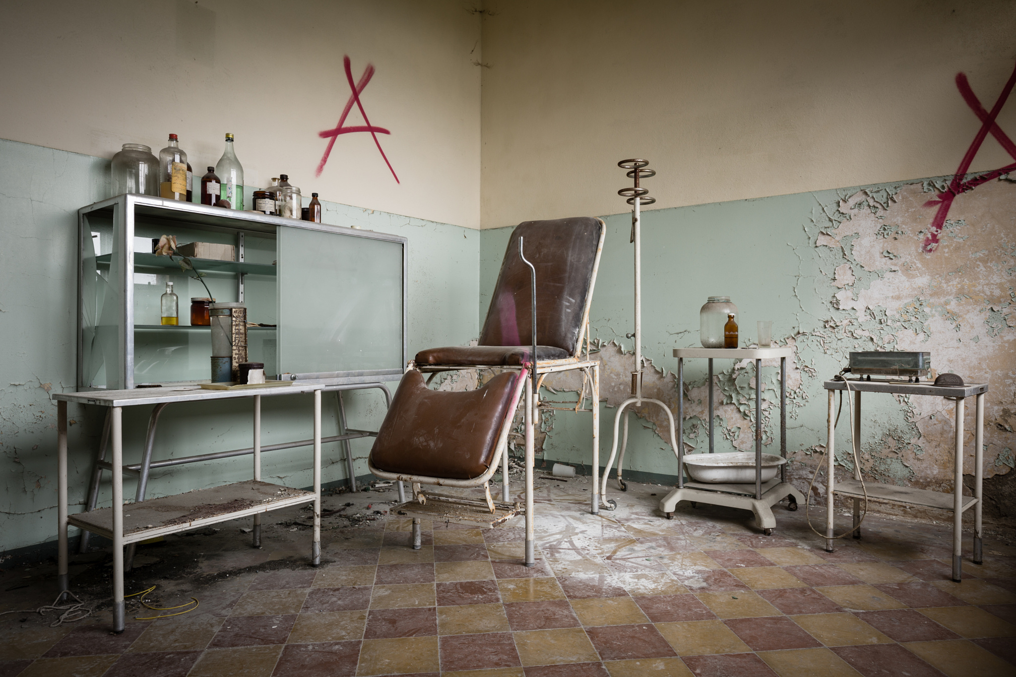 Abandoned psychiatric hospital 19