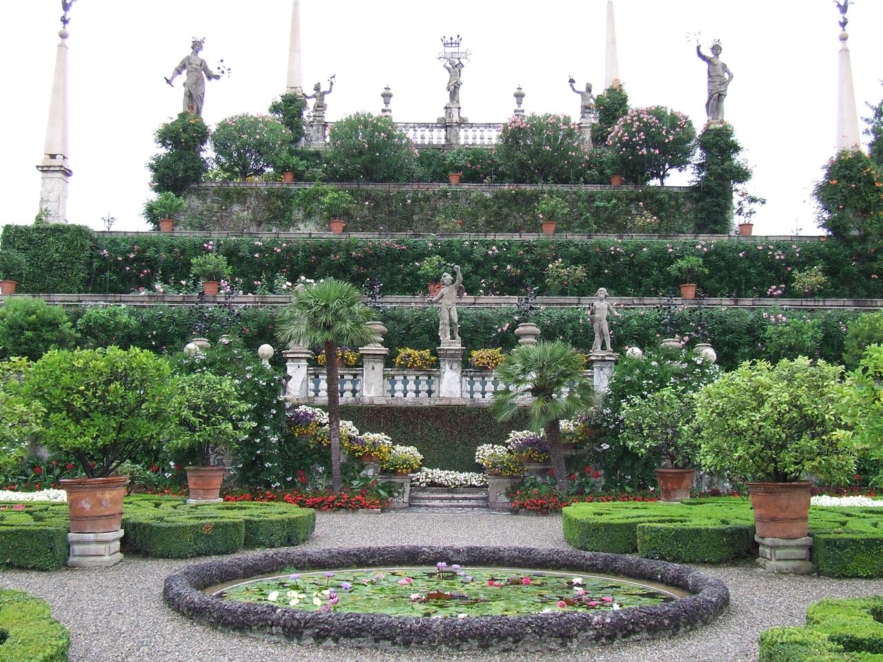 Borromeo Palace 02