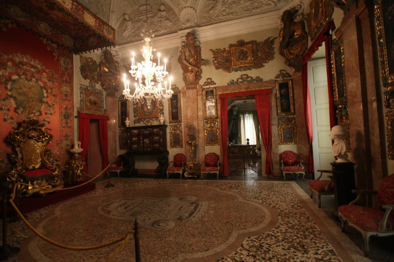 Borromeo Palace 23