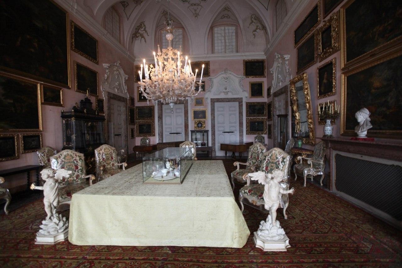Borromeo Palace 24