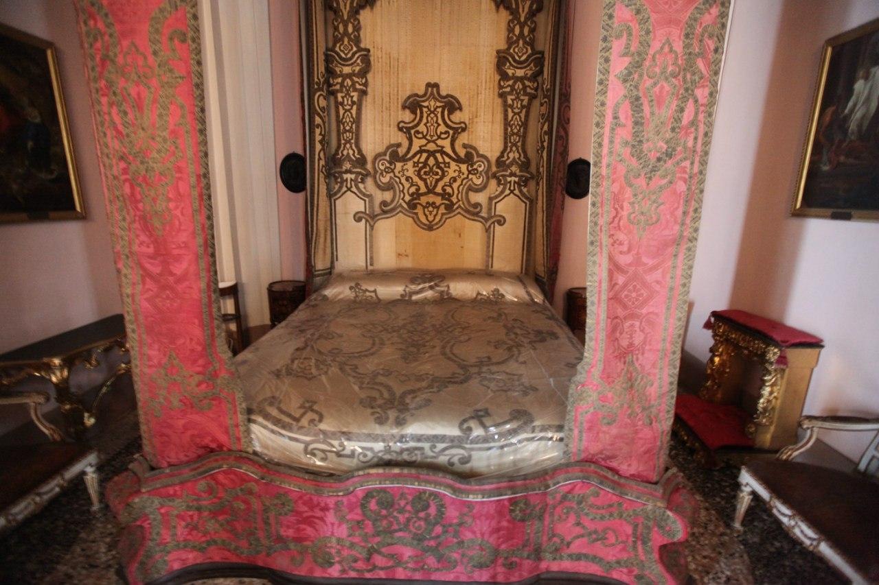 Borromeo Palace 25