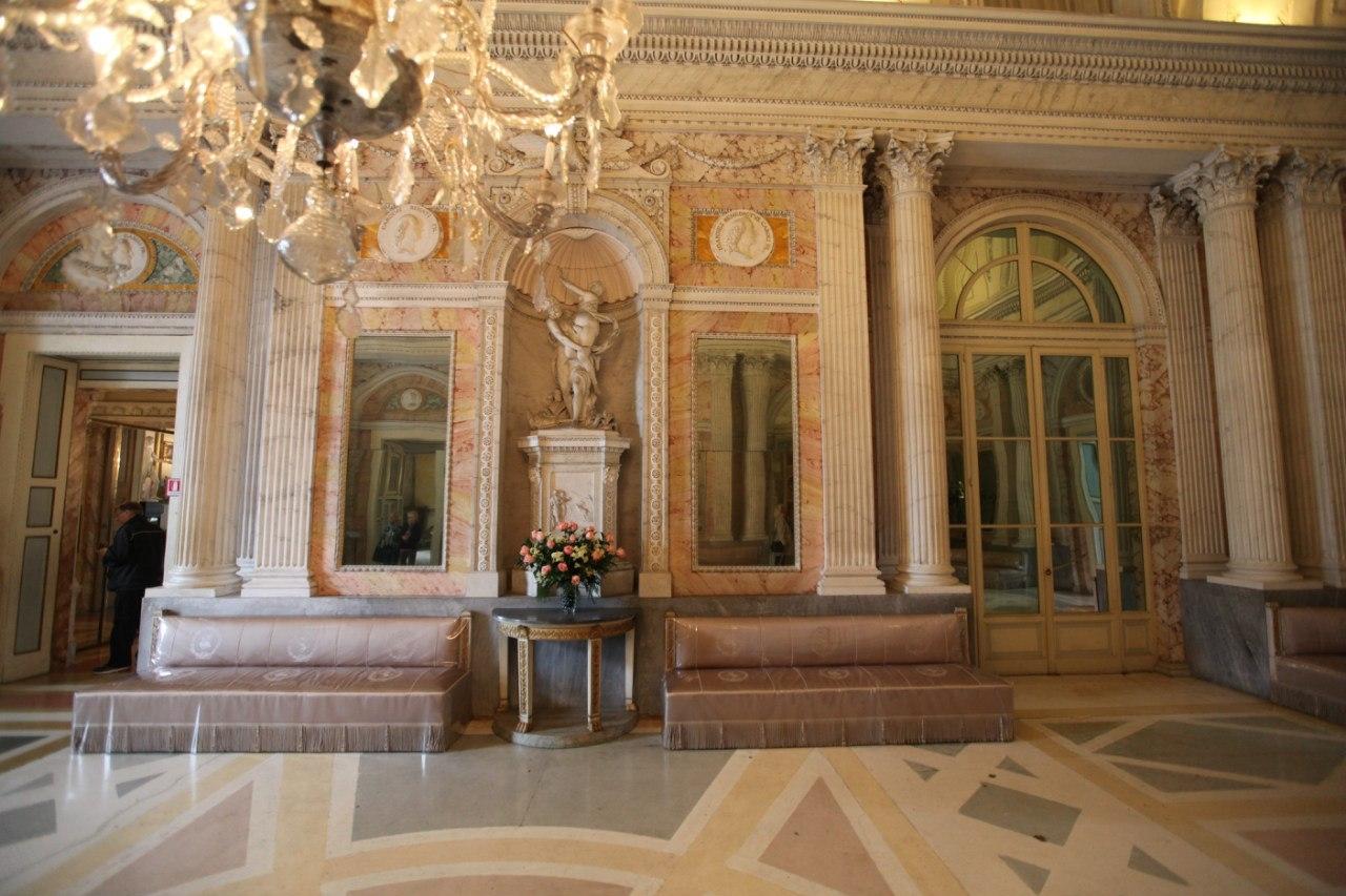 Borromeo Palace 27