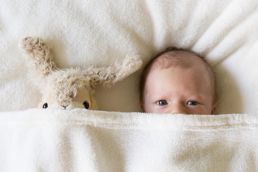 Heartwarming photos of babies 13