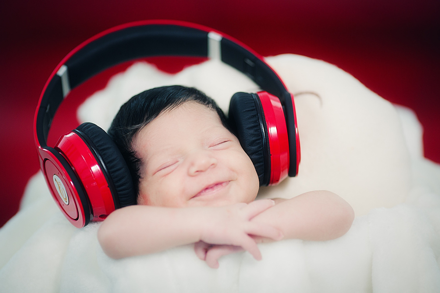 Heartwarming photos of babies 19