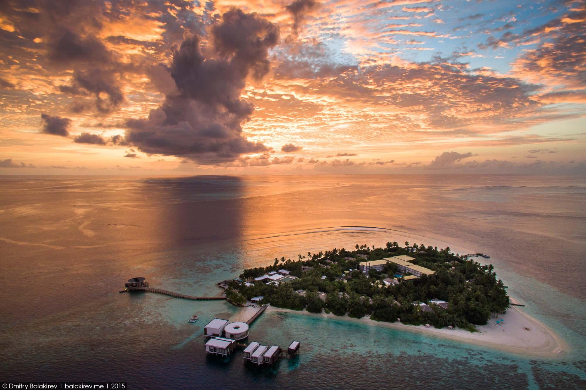 Остров на Мальдивах в виде сердца
