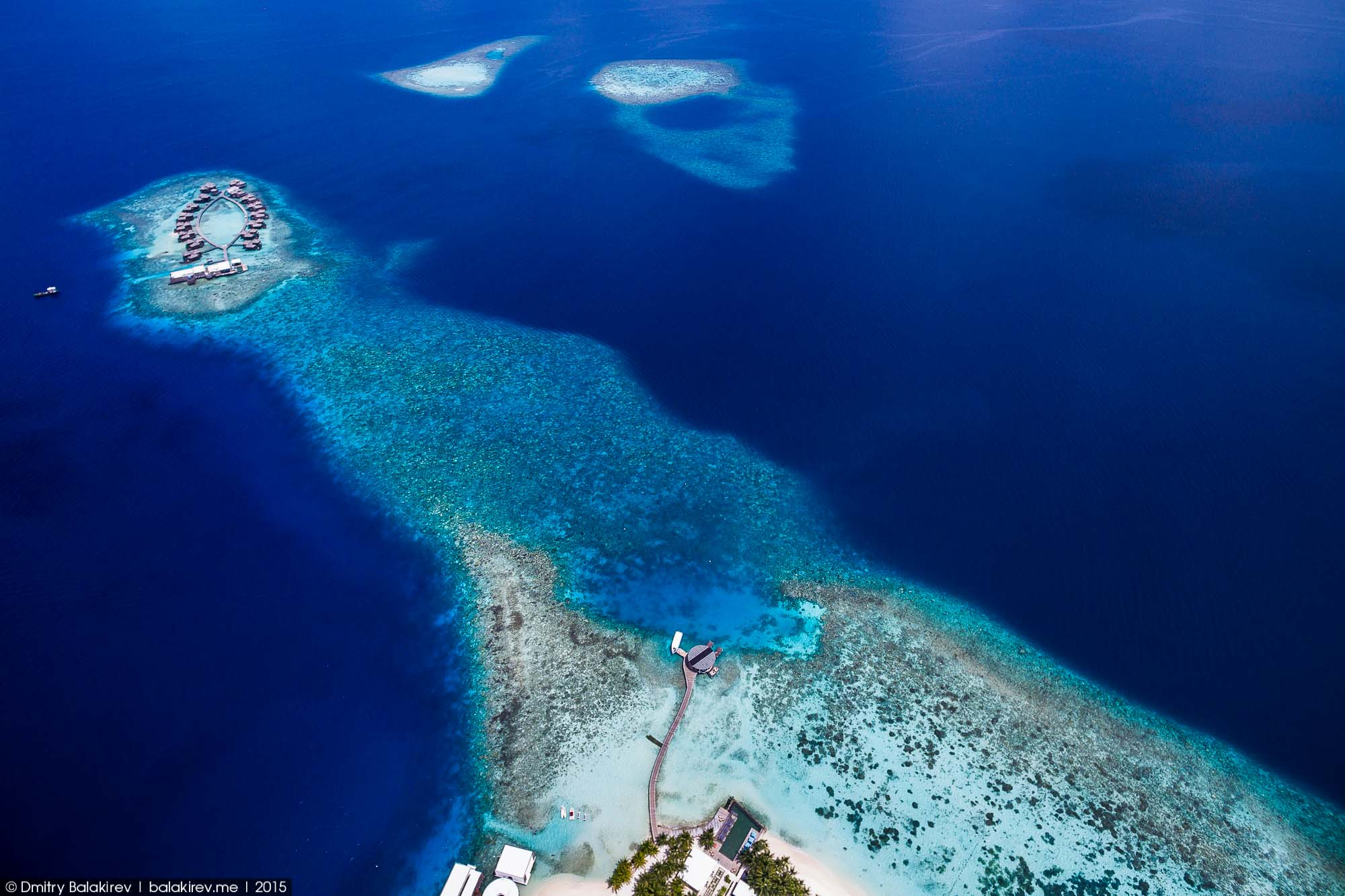Island in the Maldives in the form of heart 02