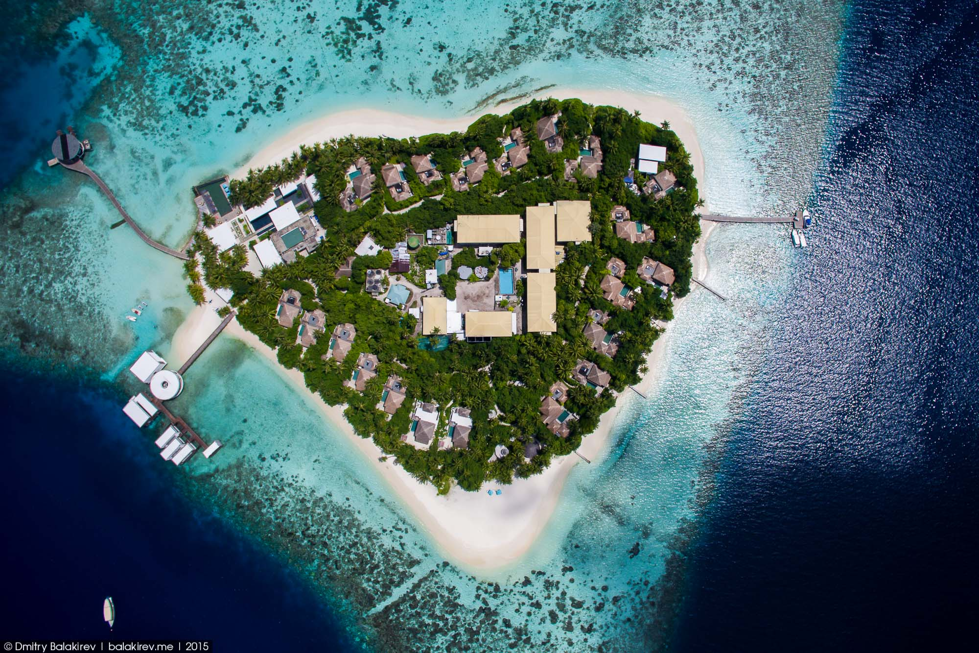 Island in the Maldives in the form of heart 06