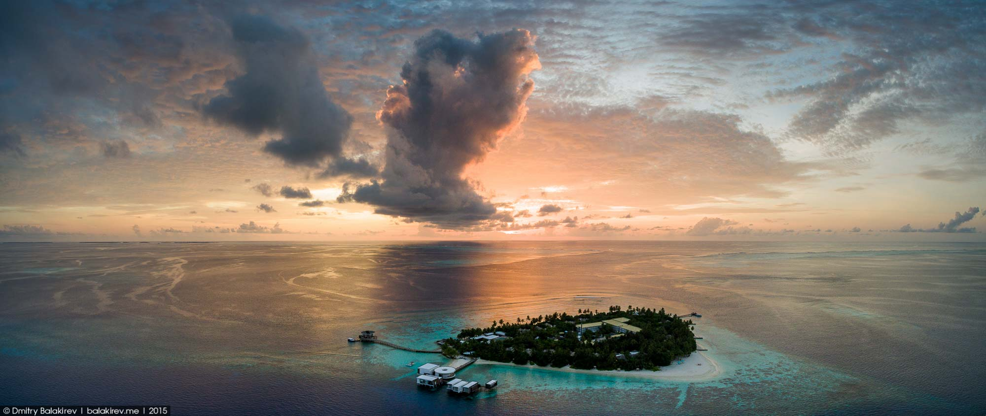 Island in the Maldives in the form of heart 12