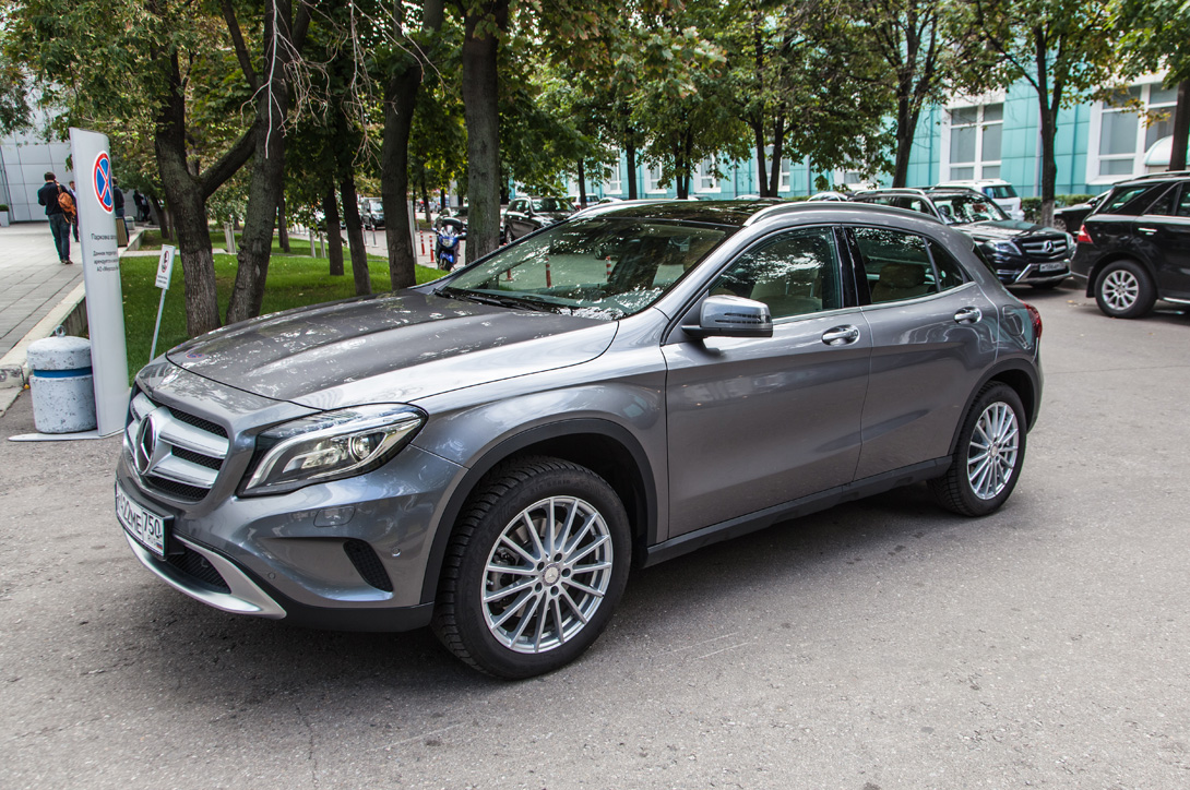 Mercedes-Benz GLA_01
