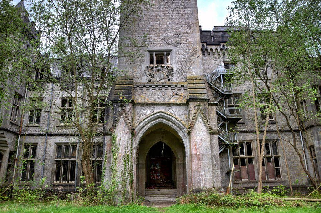 Miranda Castle 05
