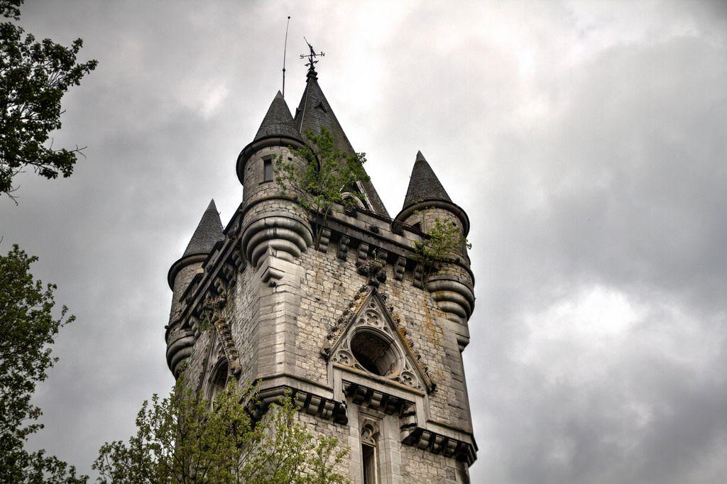 Miranda Castle 09