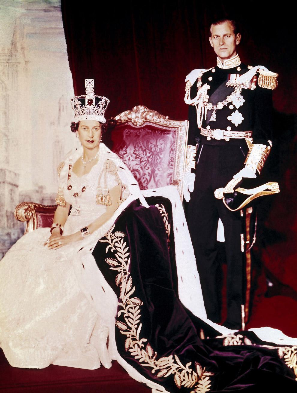 Queen Elizabeth II_03