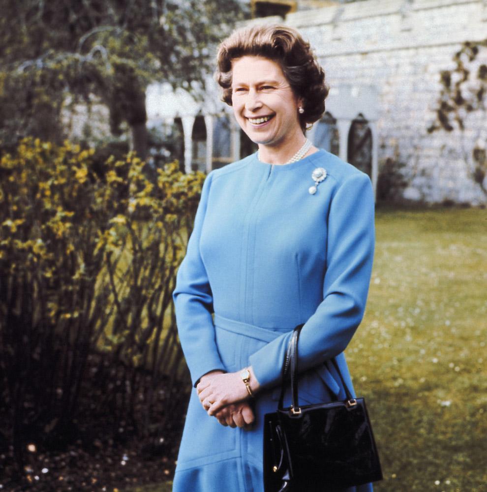 Queen Elizabeth II_09