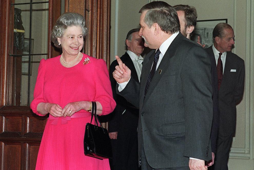 Queen Elizabeth II_12