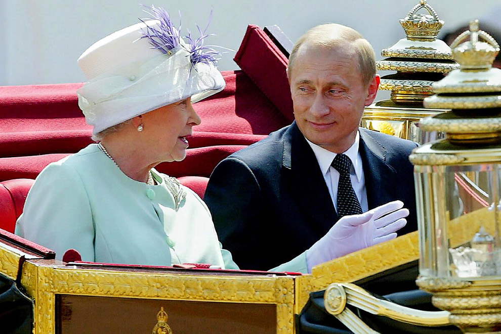 Queen Elizabeth II_16