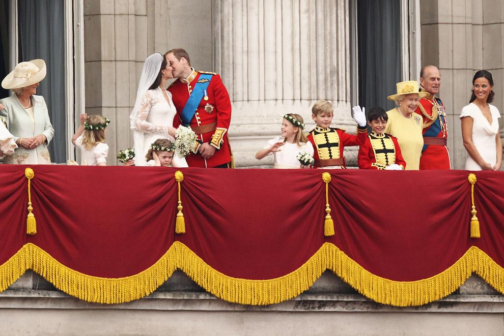 Queen Elizabeth II_24