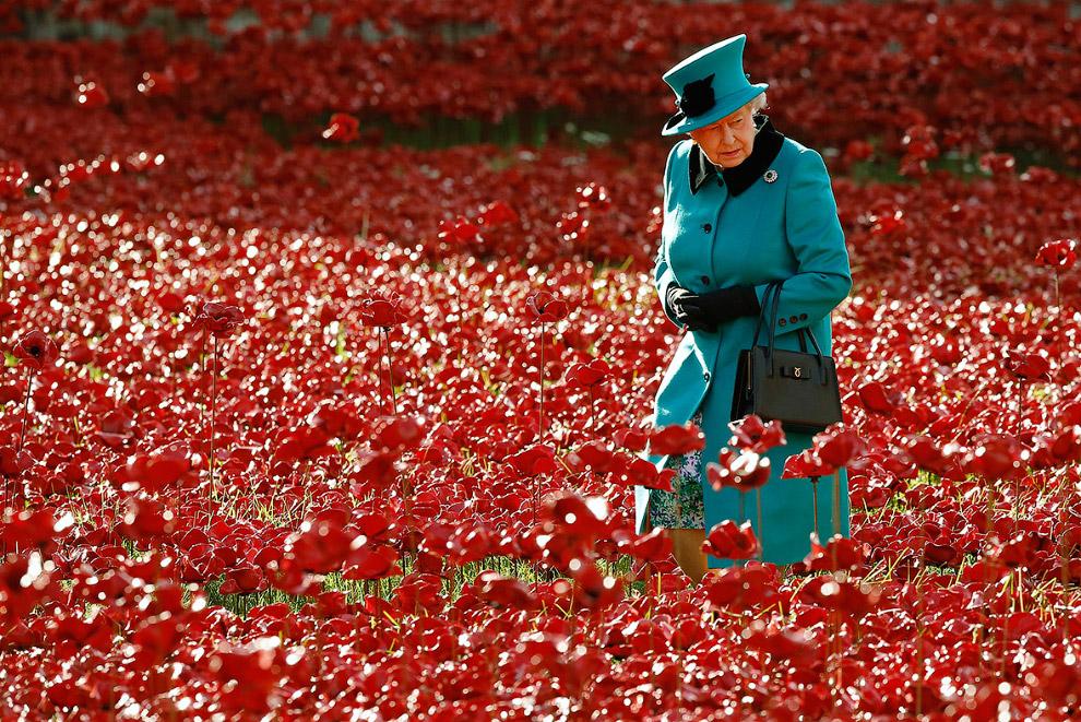 Queen Elizabeth II_33