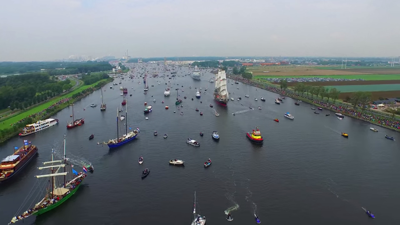 Захватывающие видео величайшего парада парусников Sail Amsterdam 2015