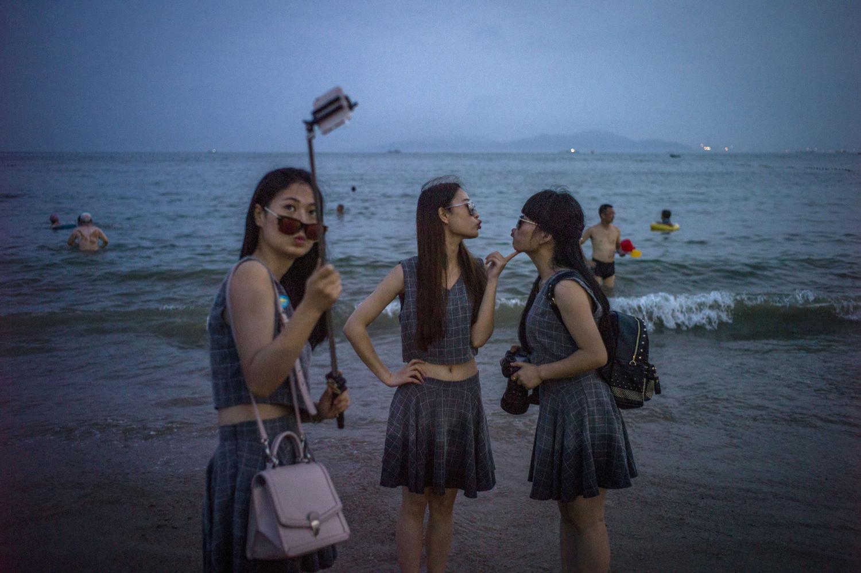 Selfie Sticks Extend Their Reach_14
