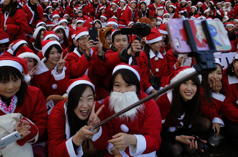 Selfie Sticks Extend Their Reach_24