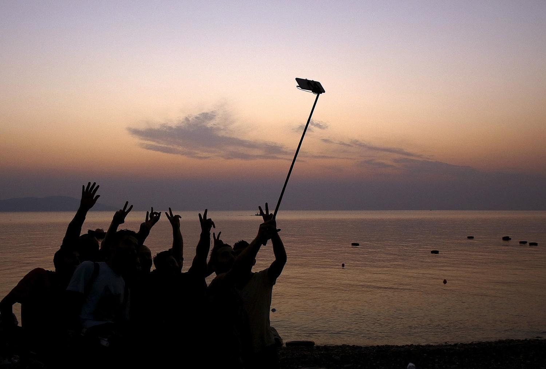 Selfie Sticks Extend Their Reach_28