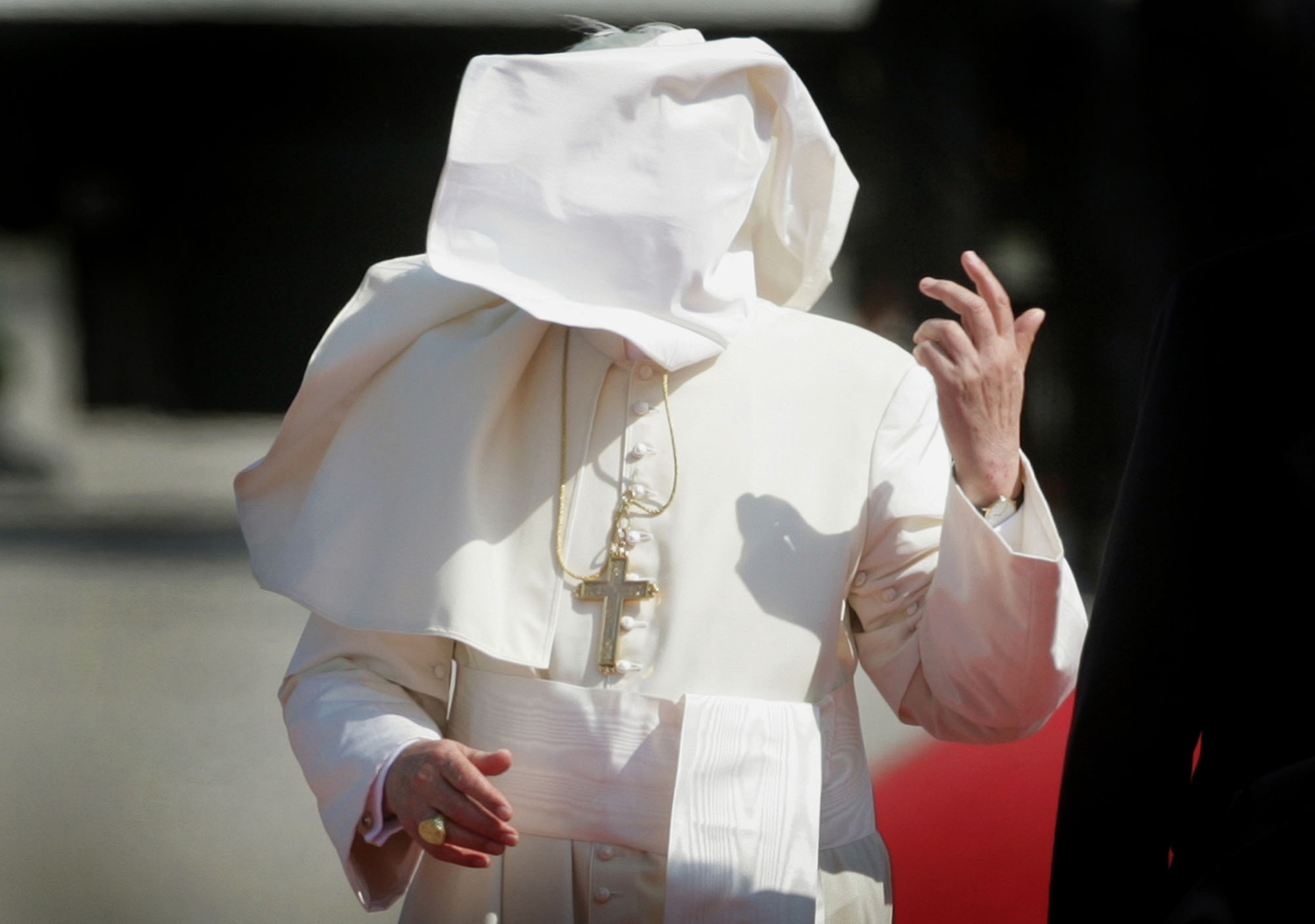 The Pope vs. the Wind_15