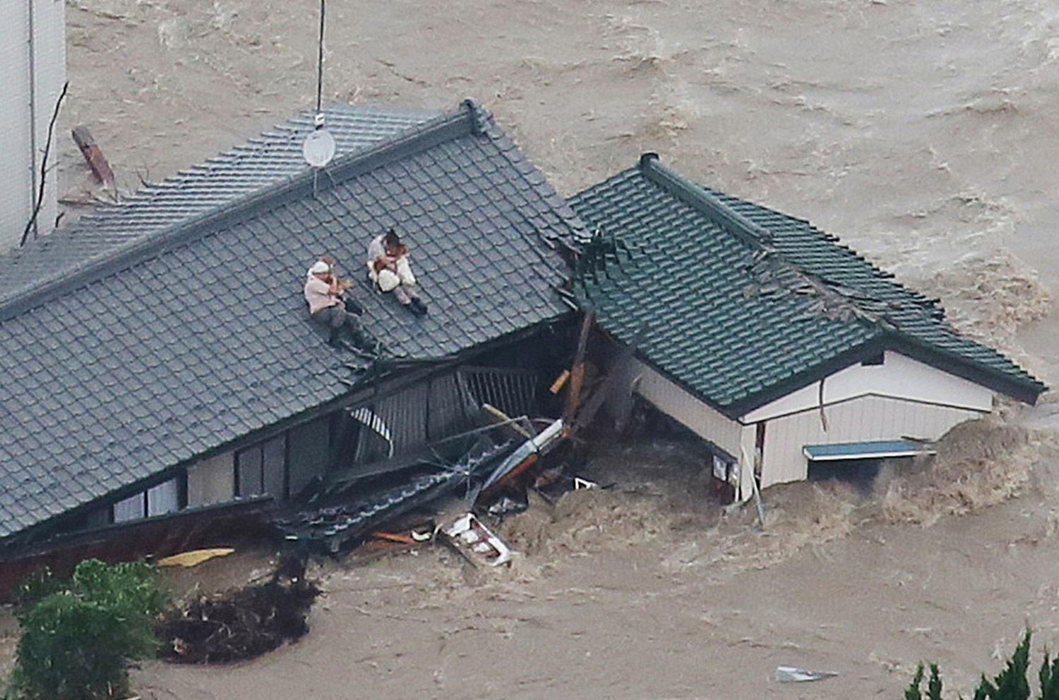 Typhoon Etau Triggers Flooding in Japan 08