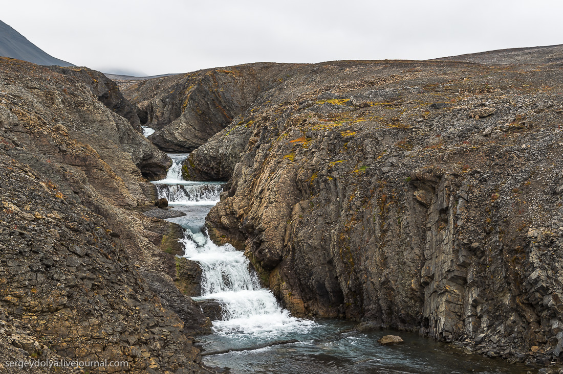 Waterfalls on the Creek bride 20